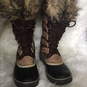 Sorel Boots Joan Of Arctic Size 8 Winter brown